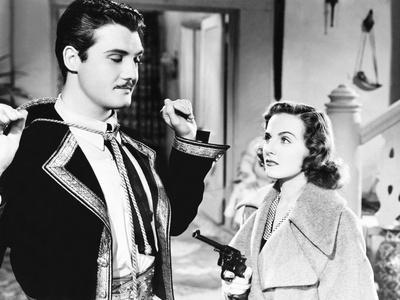 argentine-nights-from-left-george-reeves-constance-moore-1940_a-L-13186890-8363144.