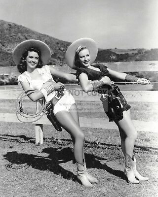 Dorothy-Malone-And-Penny-Edwards-In-two-Guys.
