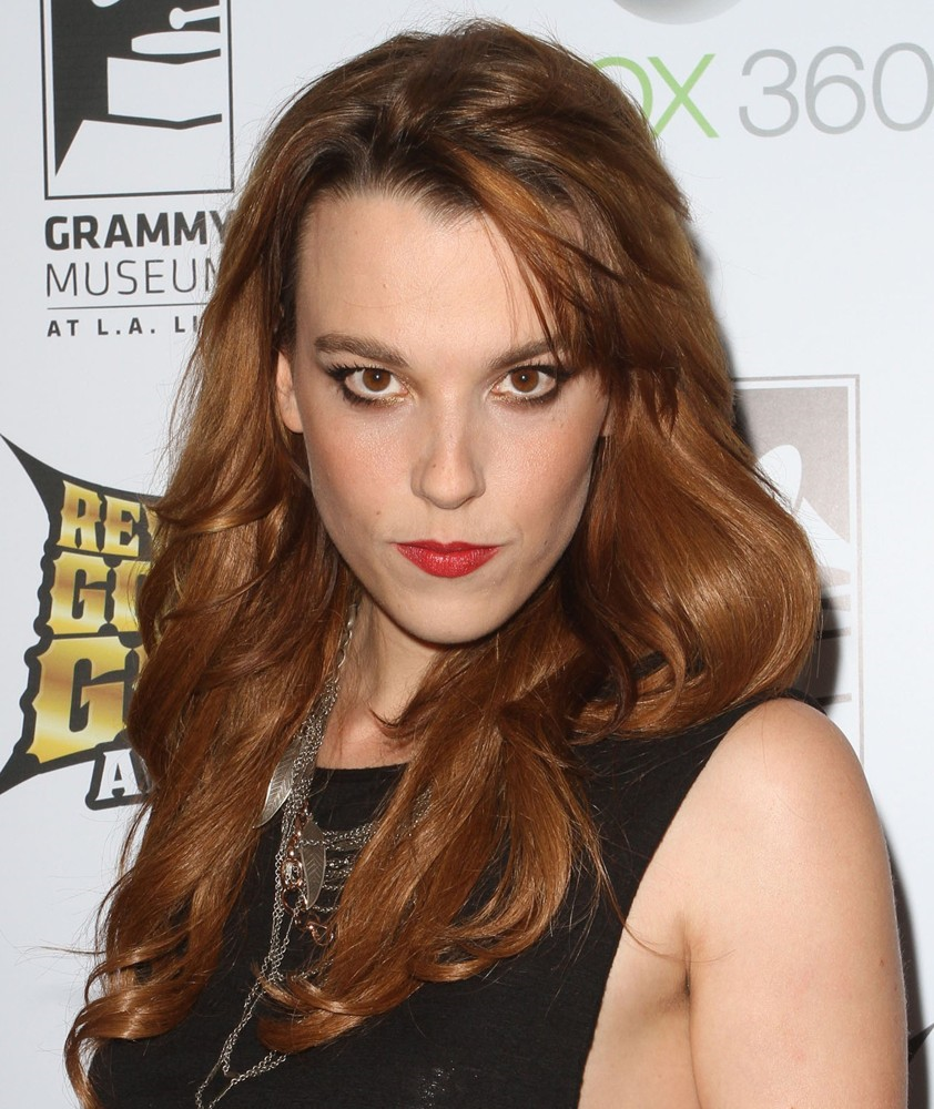 lzzy-hale1a.png