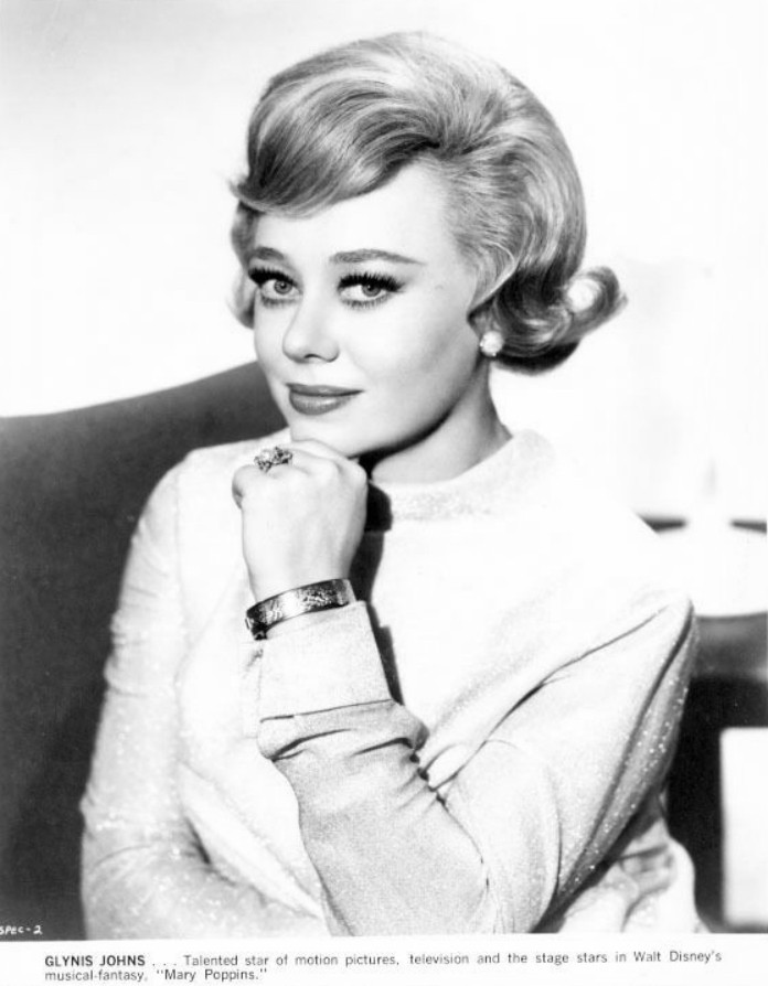 Pub still Glynis Johns 2.JPG