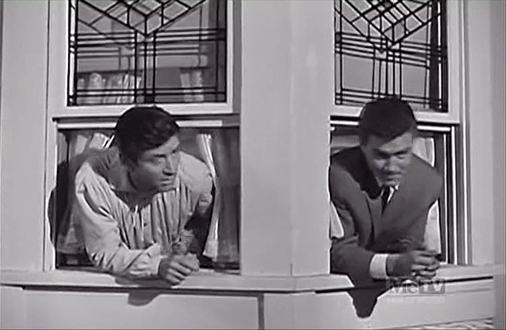 S1E23 Pasadena Caper - Stu and Jeff in bay window.