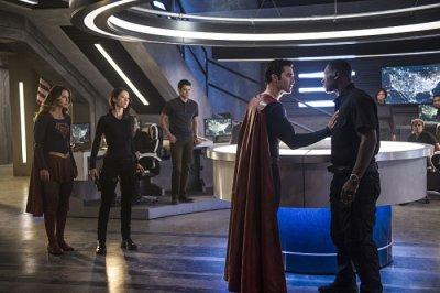 Supergirl_S02_012.jpg