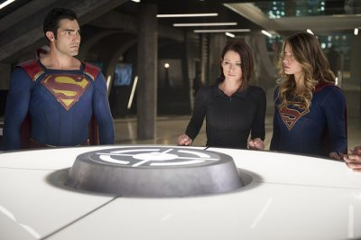 Supergirl_S02_013.jpg