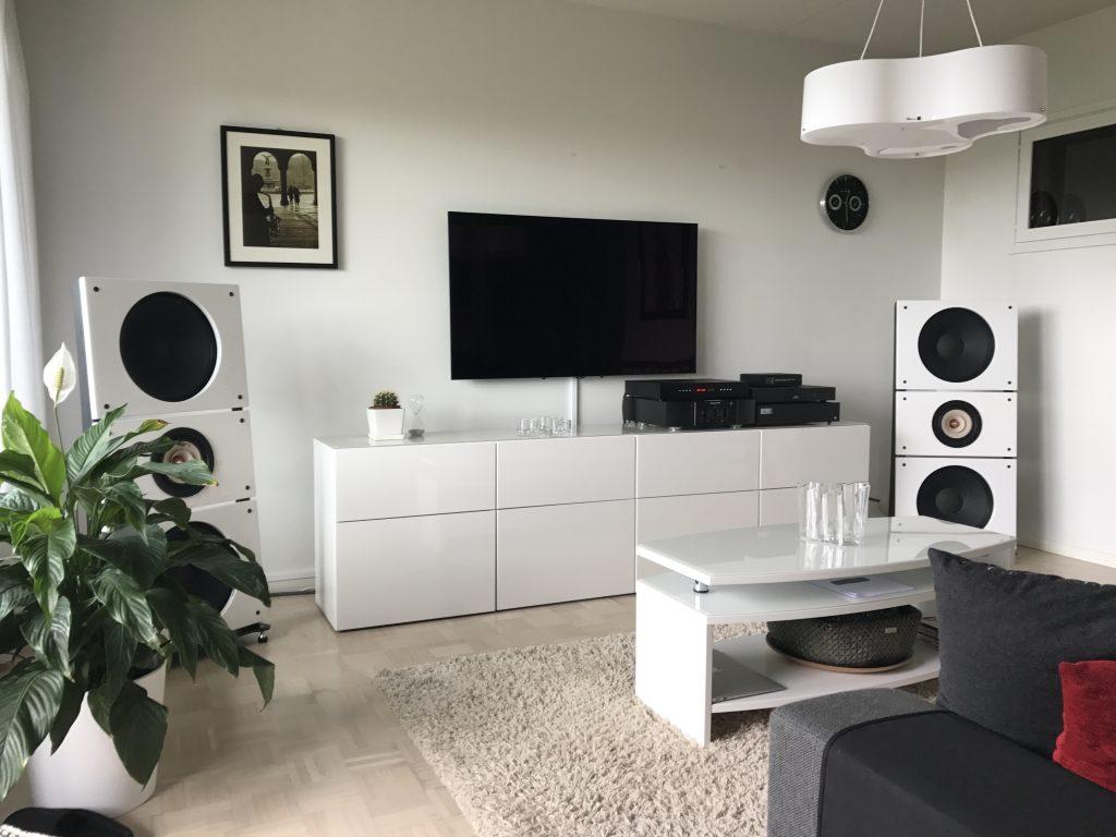 Trio15TB in a living room